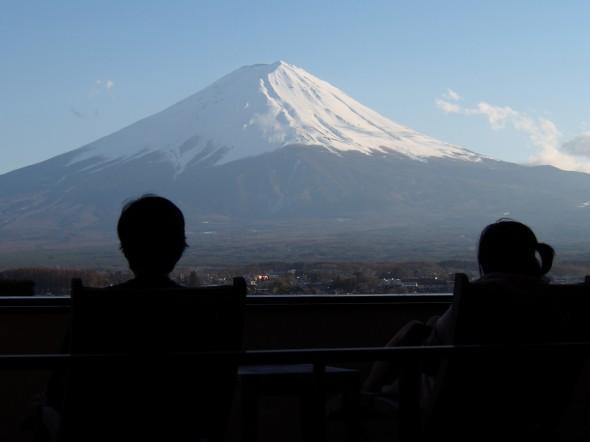 富士で過ごす夫婦の一時