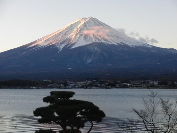 Fuji of the morning sun