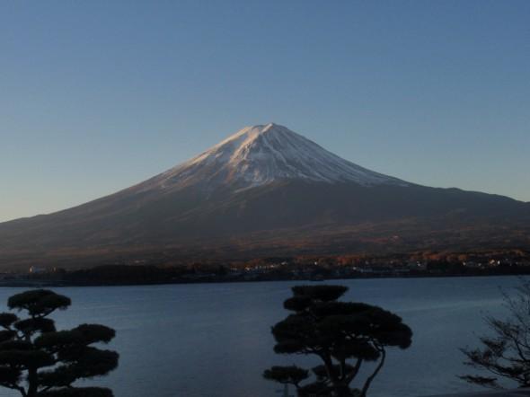 河口湖と紅葉、そして富士山
