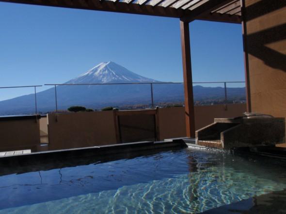 露天風呂と富士山