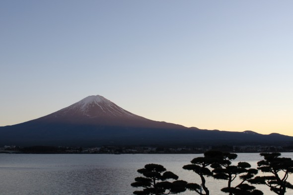 夕暮れの赤富士