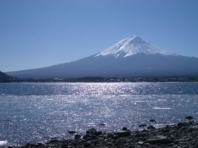 秀峰閣湖月からの富士山