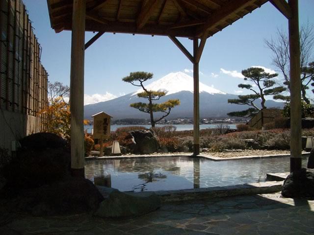 黒富士からの富士