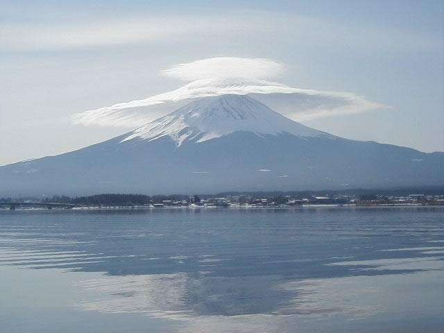 富士の傘雲