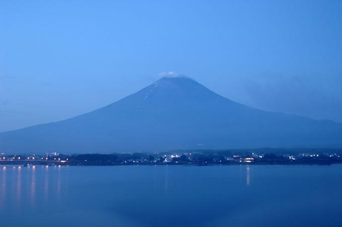 努力の富士登山者