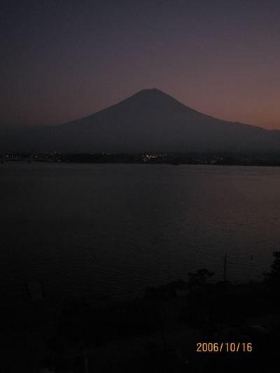 黒い富士山