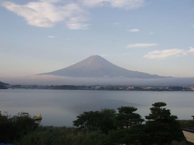 朝焼ける富士