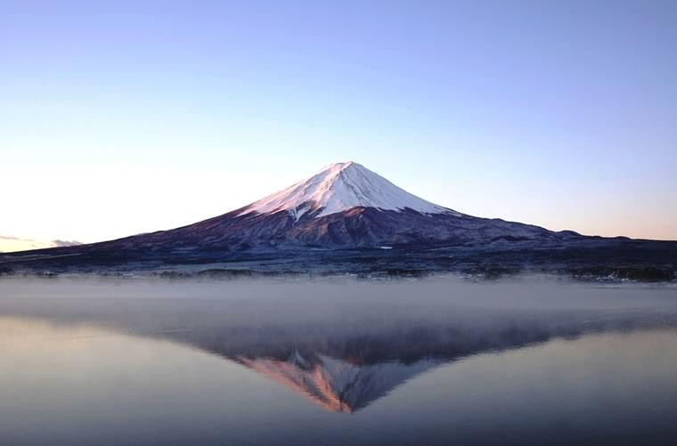 沸き立つ富士