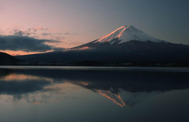 明け方の逆さ富士