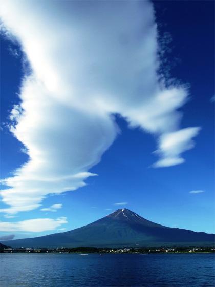 夏の雲と富士