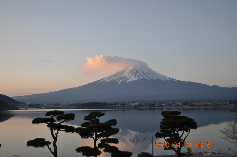 翌朝の逆さ富士