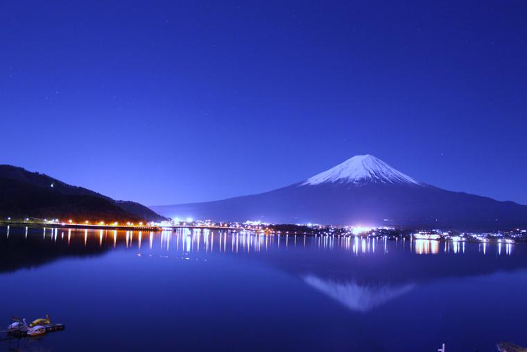 月夜の逆さ富士