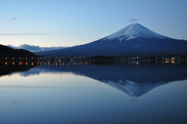 雲を纏う富士