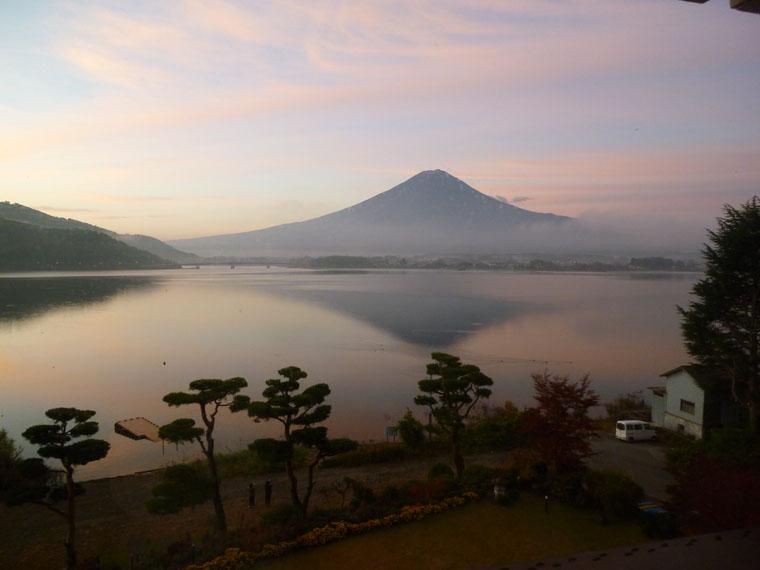河口湖に映る逆さ富士