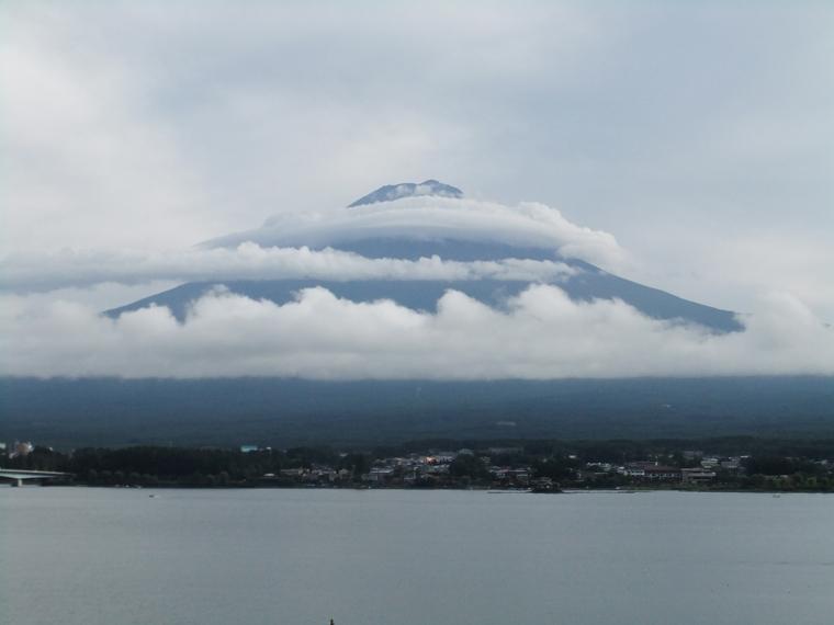 天空に登る富士の龍