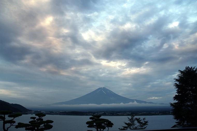 朝焼雲と夏富士