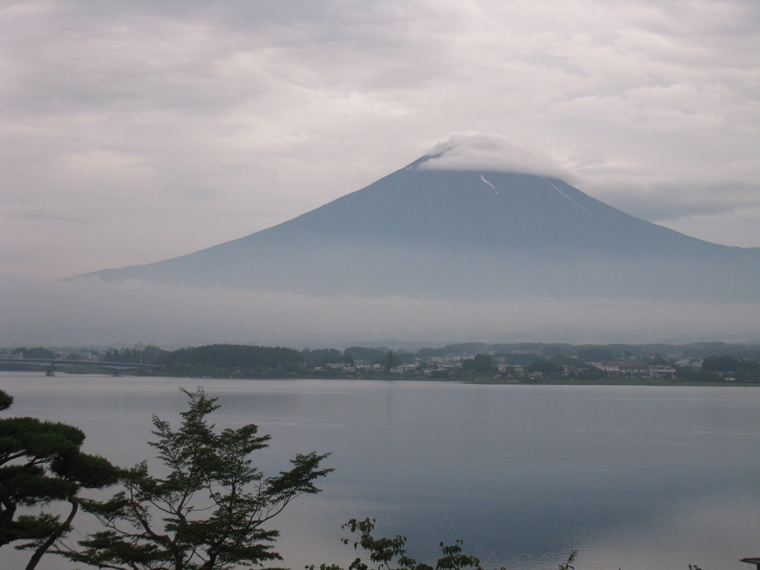 朝霧の富士